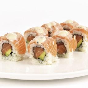 52 Salmon flambè roll