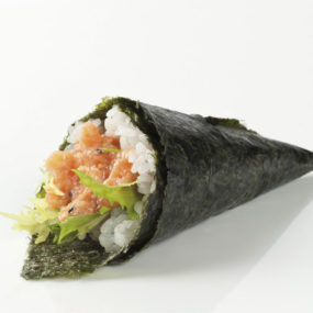 81 Temaki spicy salmon